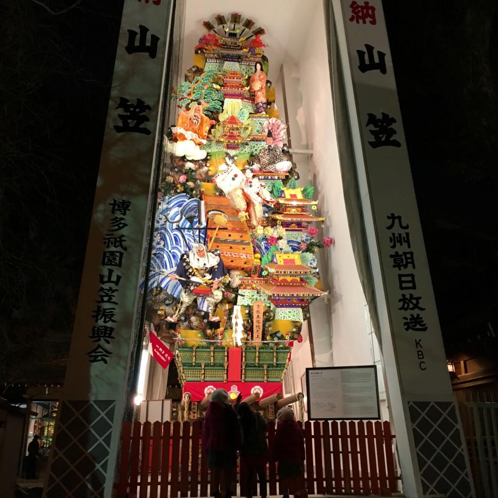 櫛田神社の山笠、これは実際に牽かれるものじゃなくて「飾り山」と呼ばれる展示用のもの。