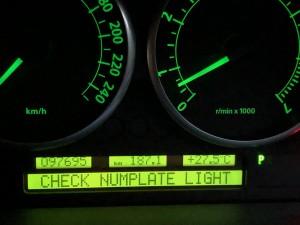 車の警告灯、CHECK NUMPLATE LIGHT